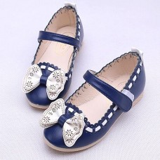 Ribbon with flat shoes